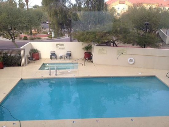 Hampton Inn Phoenix/Glendale/Peoria: Pool and Hot Tub