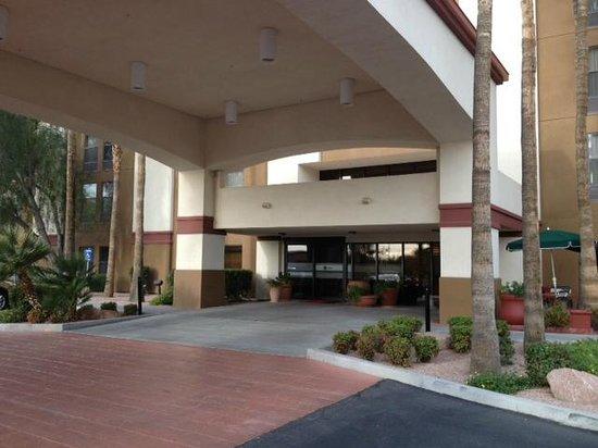 Hampton Inn Phoenix/Glendale/Peoria: Front Entrance