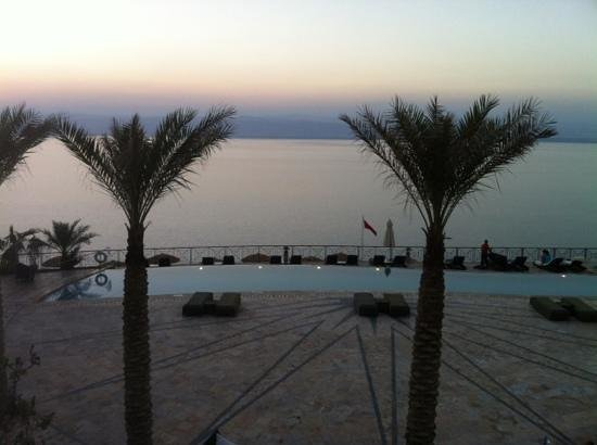 Movenpick Resort & Spa Dead Sea: sunset