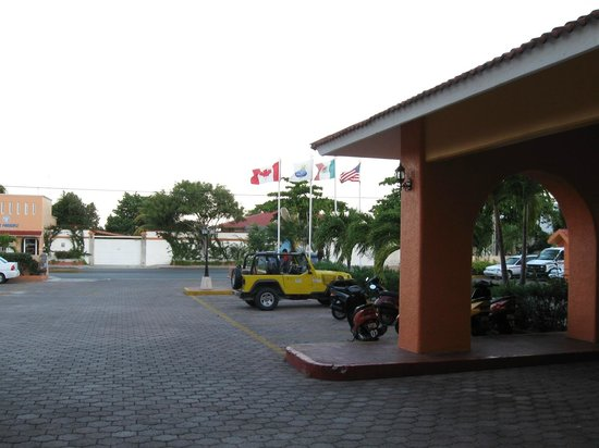 Hotel Cozumel and Resort: Entrance to hotel cozumel