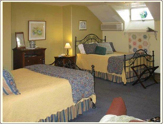 كارلايل هاوس: Molly's Garden Room with two Queen Beds