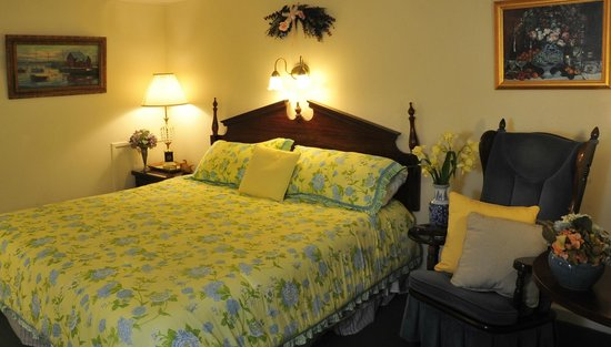 Berkshire Hills Country Inn: Comfortable King Room