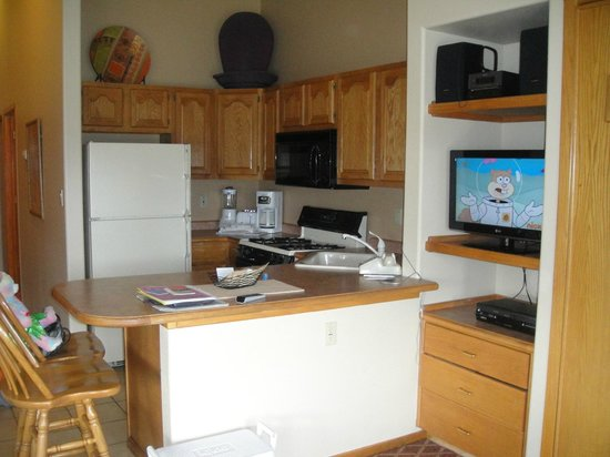 Wyndham Pagosa: condo kitchen