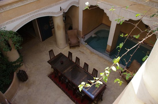 Riad Lorsya : Looking down from room
