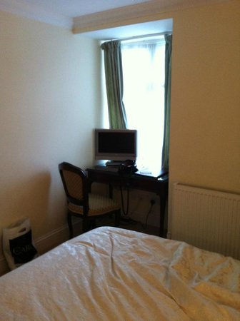 Ditton Lodge Hotel: Bedroom