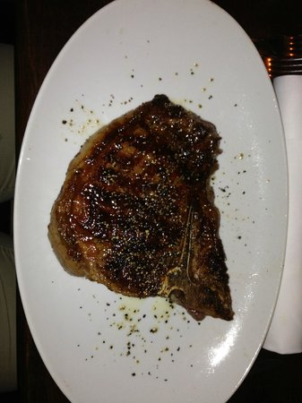 Butcher's American Steakhouse: T-Bone Steak 700g