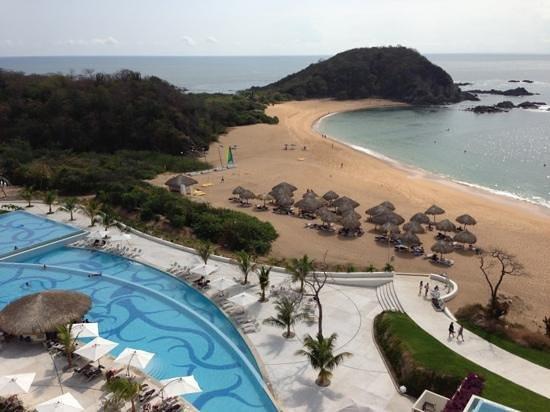 Secrets Huatulco Resort & Spa: Vista desde uno de los restaurantes