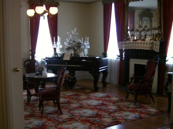 First White House of the Confederacy: The First Parlor
