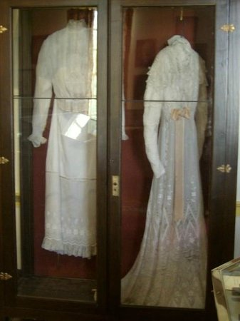 First White House of the Confederacy: Varina Davis' Dresses in the relic room