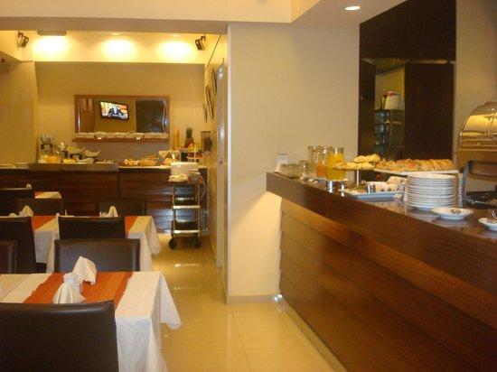 Urban Suites Recoleta Boutique Hotel: Café da manhã