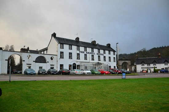 The Inveraray Inn: Front