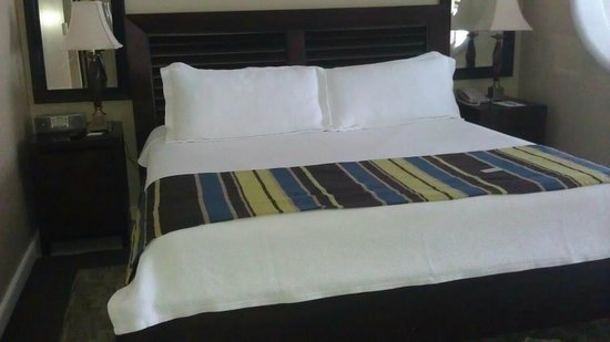 Beaches Ocho Rios Resort & Golf Club: SO COMFY AND CLEAN BED