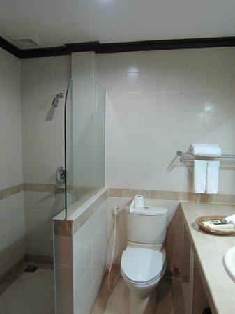 Grand Sunset Angkor Hotel: Salle de bains