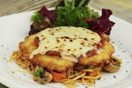 Bianco : Chicken Parmagiana