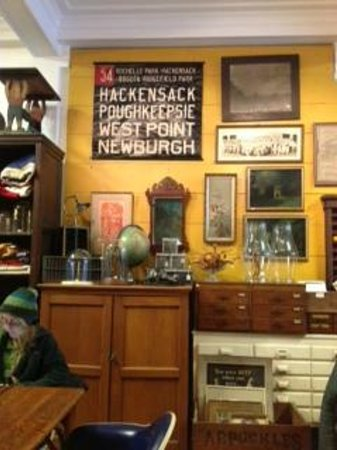Outdated, An Antique Cafe : Antiques