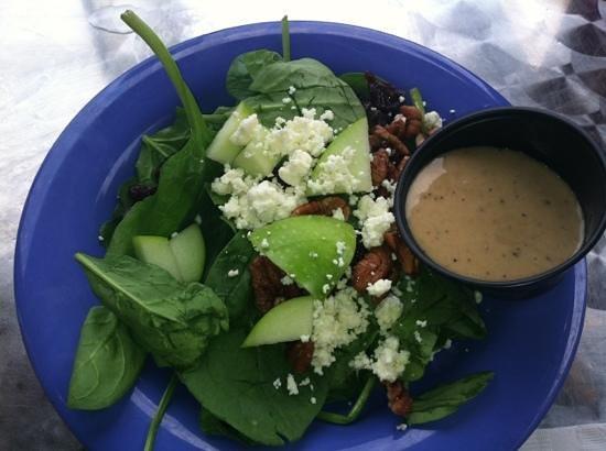 Mellow Mushroom: Spinich & Walnut salad