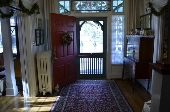 Main Street Manor Bed & Breakfast Inn: Front Door