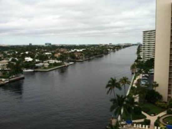 Residence Inn Fort Lauderdale Intracoastal / Il Lugano: View from our room