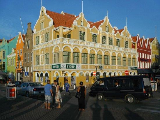 Renaissance Curacao Resort & Casino: centro punda