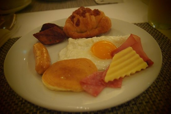Le Meridien Chiang Mai: breakfast