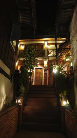 Joy Guesthouse : ゲストハウス出入口