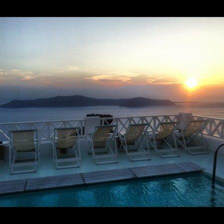 Hotel Sunny Villas: Santorini sunset