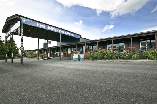 Te Anau Kiwi Holiday Park: Main Entrance