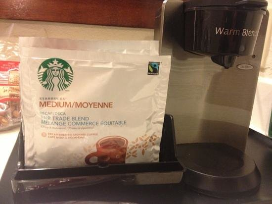 Sheraton Suites Cypress Creek Ft. Lauderdale: in room coffee
