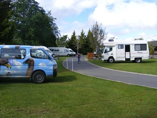 Te Anau Kiwi Holiday Park: Powered Sites