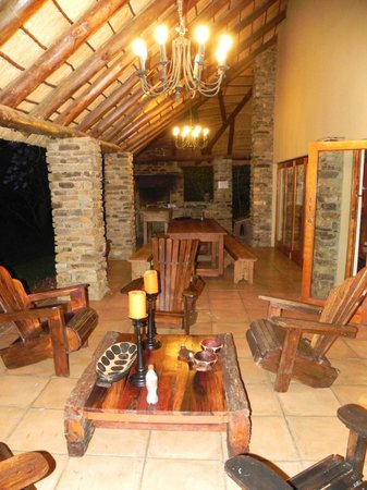 Addo Bush Palace Private Reserve: Main lodge patio