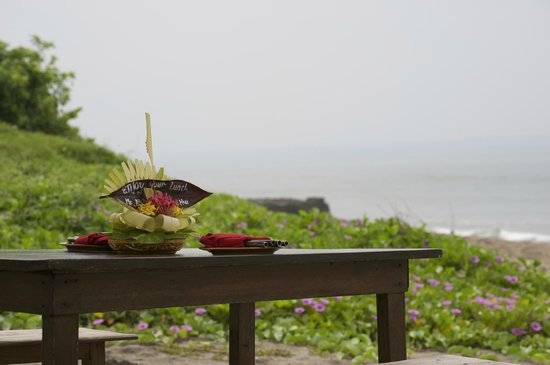 Hotel Tugu Bali: Lunch of Babi Guling at Hotel Tugu's Canggu Beach Access