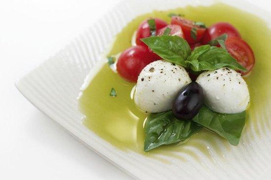Mamma Susanna's Ristorante Italiano: Caprese Salad