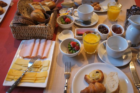 Number 11 Exclusive Guesthouse: breakfast