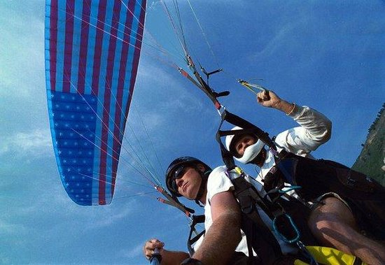 Vail Valley Paragliding Tandem Adventures: Get an Eagle's Eye View of the Beautiful Rocky Mountains