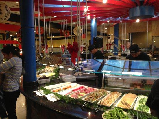 Shinju Japanese Buffet: Plenty of sushi
