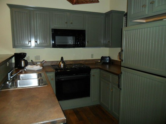 The Wilderness Club at Big Cedar: kitchen 1 bedroom lodge