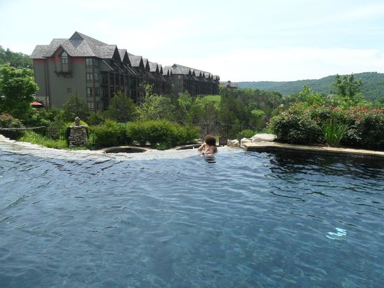 The Wilderness Club at Big Cedar : presidential pool