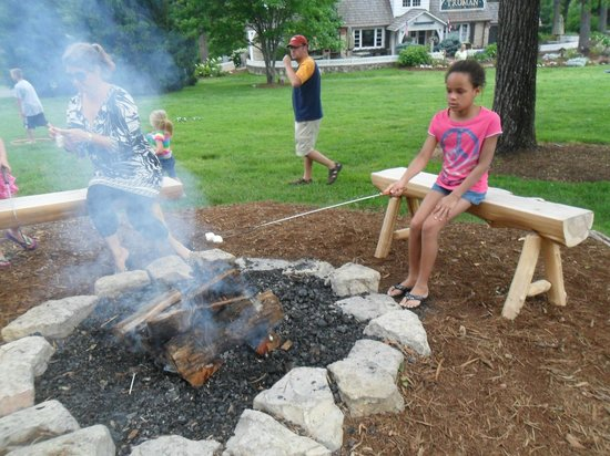 The Wilderness Club at Big Cedar: making smores