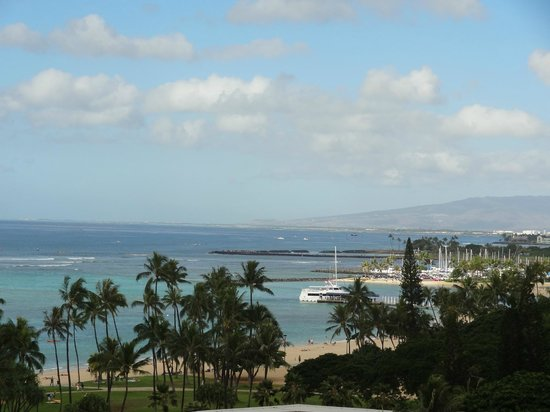 Outrigger Reef Waikiki Beach Resort: Room View