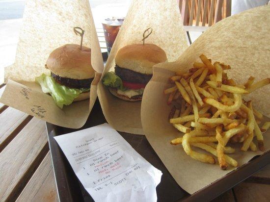 Village Burger: Juicy Burgers