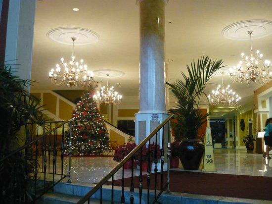 Queen Kapiolani Hotel : Hotel