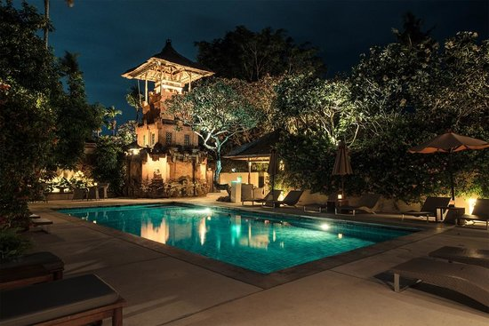 The Pavilions Bali: Main pool in the evening