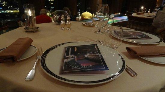 L'Arc en Ciel : Notre table