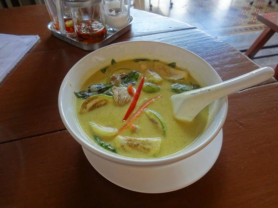 ‪‪Kopitiam by Wilai‬: Green curry dish - Very good