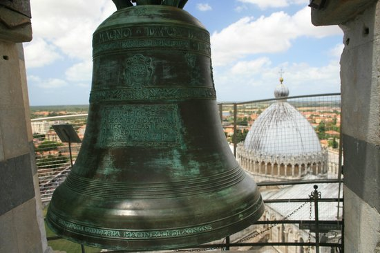 La tour de Pise (Campanile) : Leaning Tower of Pisa bell