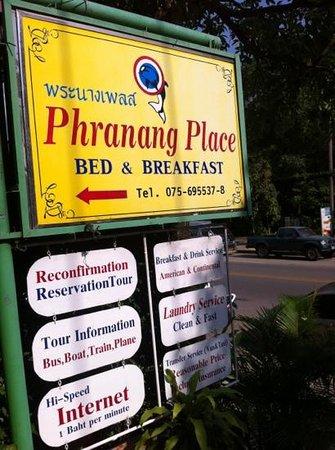 Phranang Place : fräscha familjerum