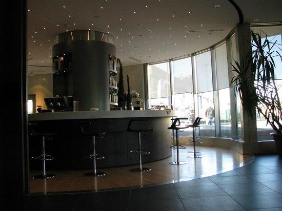 The Hub Hotel: BAR