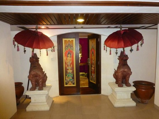 Ramada Bintang Bali Resort: Entrance of suite