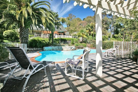 Havelock House: Relax by the pool