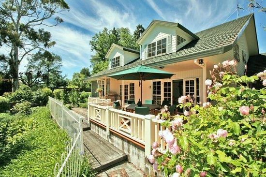 Havelock House: Outside decks